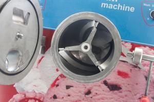 may lam kem - máy làm kem - Máy làm kem mở quán